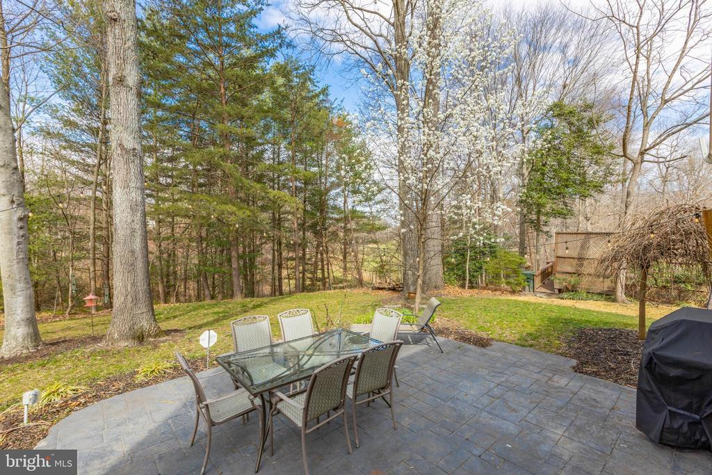 FaceTime w/your agent & virtually tour the outside - 8206 CHERRY RIDGE RD, FAIRFAX STATION