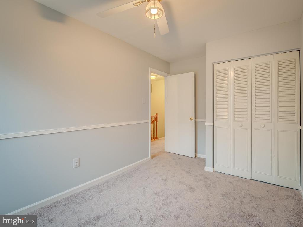 Nice Closet Space in Secondary Bedrooms - 20422 SUMMERSONG LN, GERMANTOWN