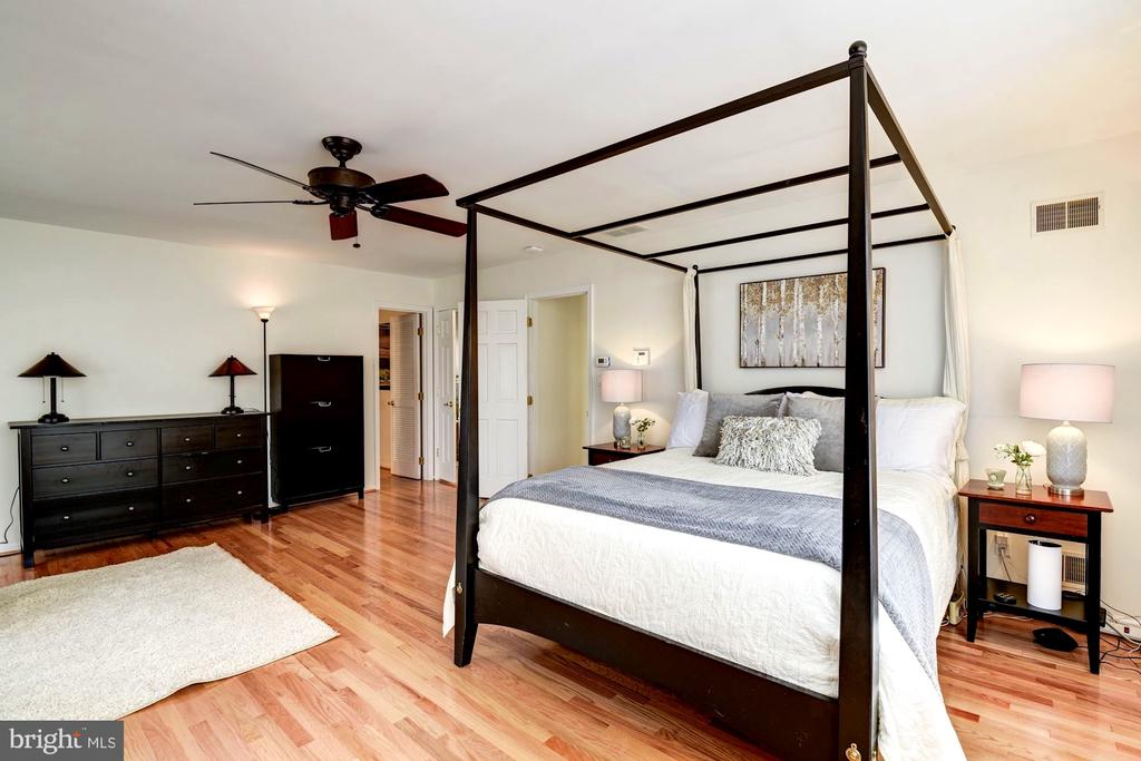 Master Includes En-Suite Bath and Walk-in Closet - 8902 TRANSUE DR, BETHESDA