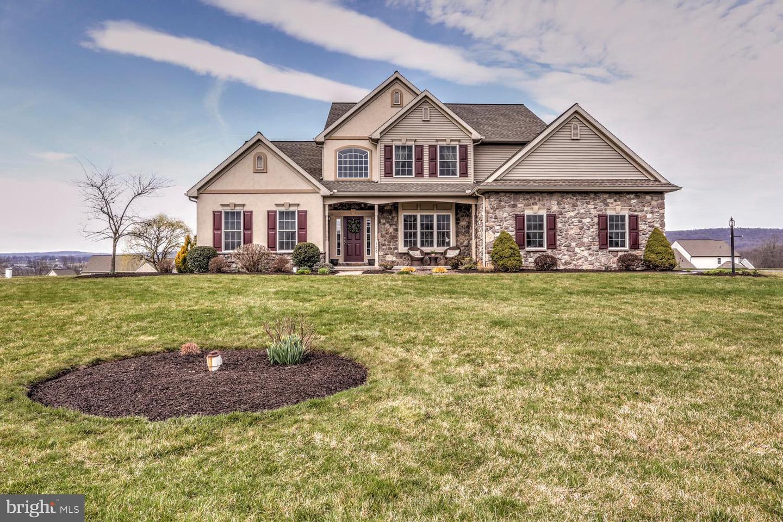 Single Family Homes για την Πώληση στο Reinholds, Πενσιλβανια 17569 Ηνωμένες Πολιτείες