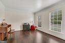 Abundant natural light throughout home. - 43988 RIVERPOINT DR, LEESBURG