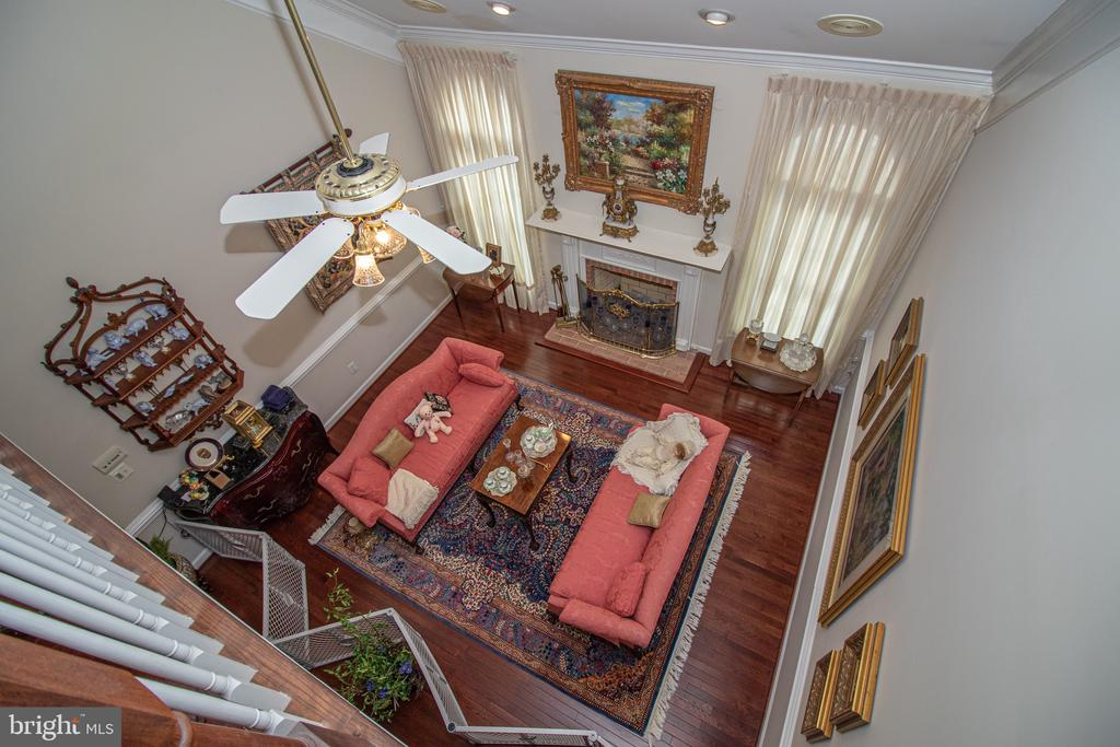 View of Family Room from Loft on Upper Level - 25282 KENNEBEC DR, CHANTILLY