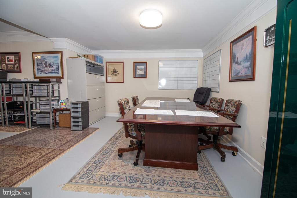 Lower Level Office or Dining Space - 25282 KENNEBEC DR, CHANTILLY