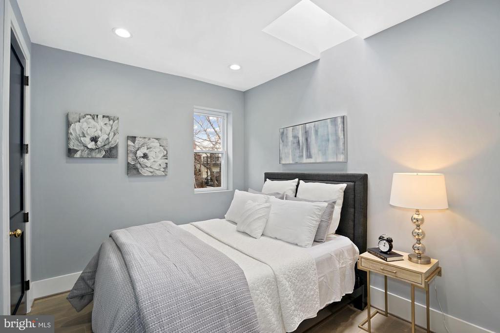 3rd Bedroom - 2217 FLAGLER PL NW, WASHINGTON