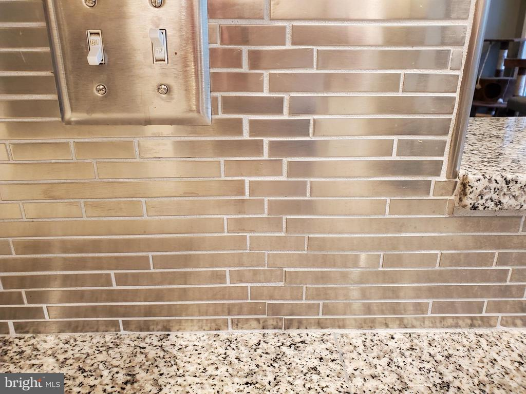 Metallic Tile Backsplash - 403 WESTOVER PKWY, LOCUST GROVE