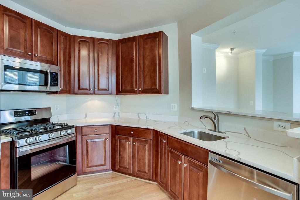 Brand New Appliances &  Countertops - 12001 MARKET ST #150, RESTON