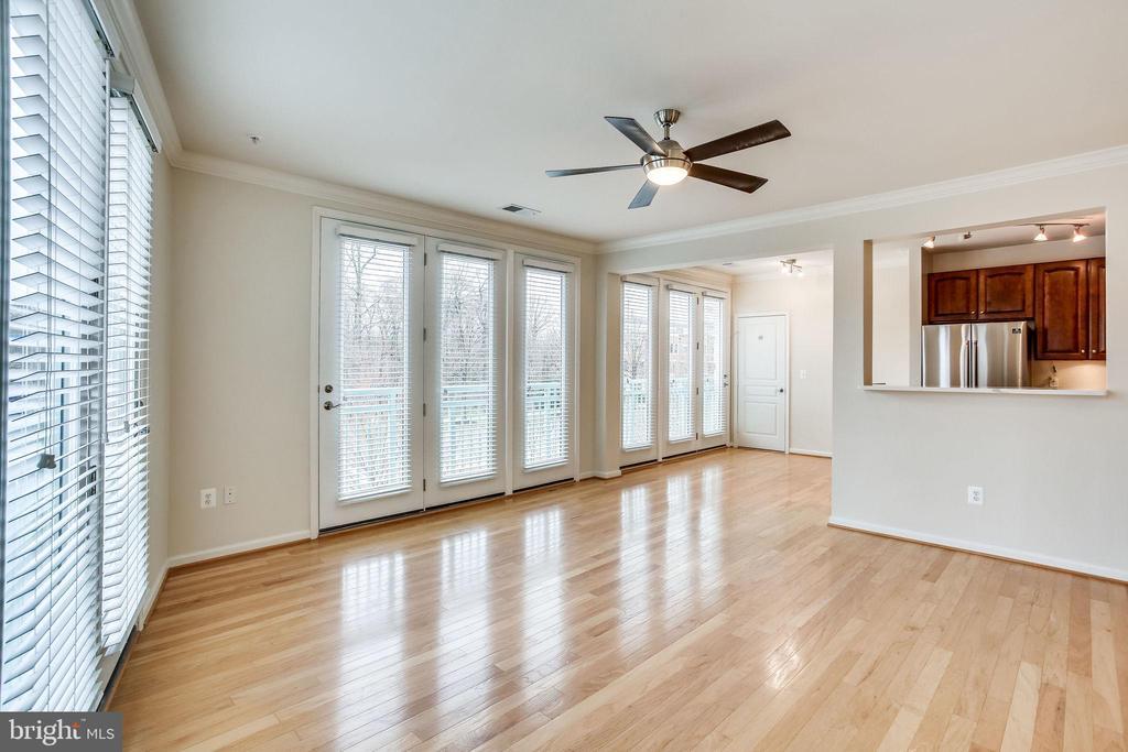 Spacious Floor Plan - 12001 MARKET ST #150, RESTON