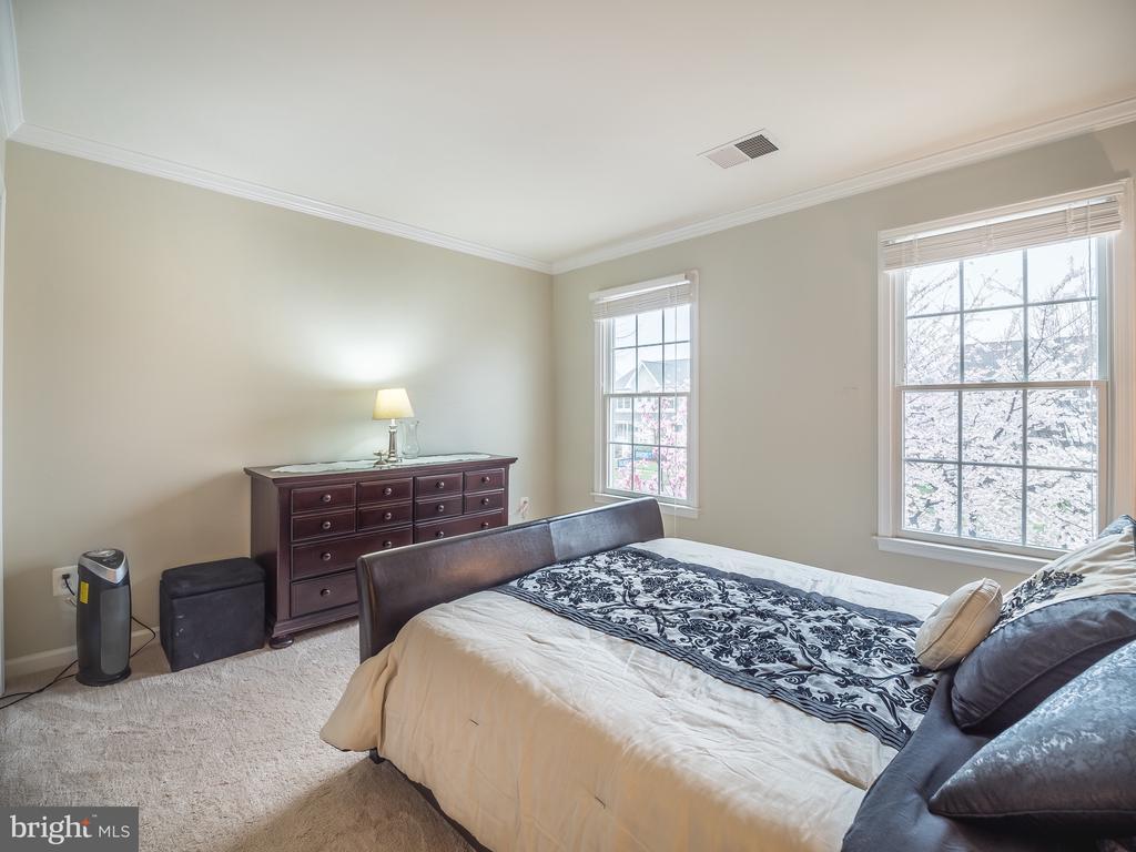 En Suite Bedroom 4 - 43075 BARONS ST, CHANTILLY