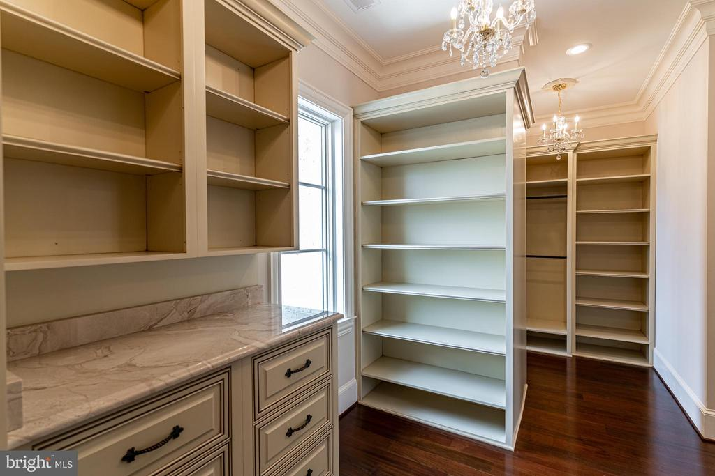 Custom Walk-in Closets - 11345 ALBERMYRTLE RD, POTOMAC