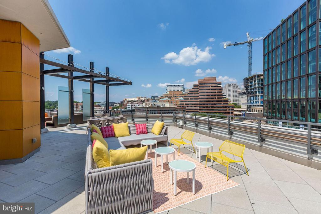 Perfect Space for Sunsets Over the City - 7171 WOODMONT AVE #301, BETHESDA