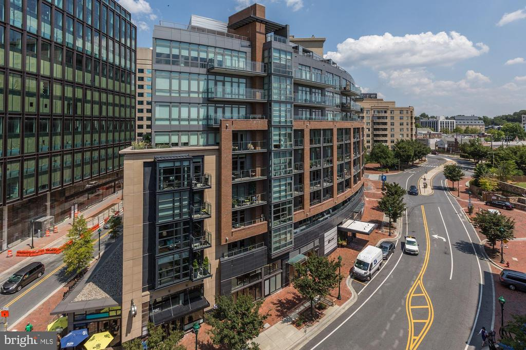 Located Walking Distance to Bethesda Row - 7171 WOODMONT AVE #301, BETHESDA