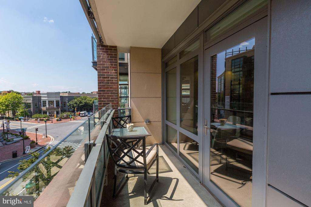 Second Large Patio Off the Kitchen - 7171 WOODMONT AVE #301, BETHESDA