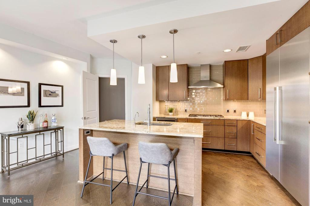 Attractive Island and Space for A Breakfast Table - 7171 WOODMONT AVE #301, BETHESDA