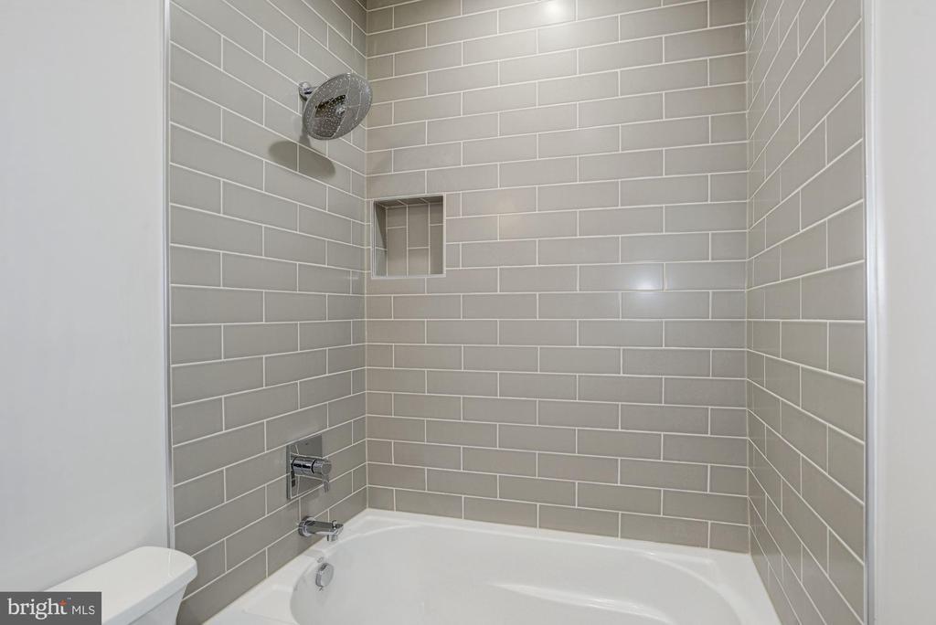 Classy tiling bathroom #3 - 1916 RHODE ISLAND AVE, MCLEAN