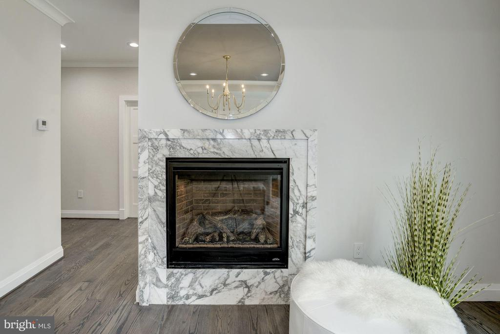 Gas fireplace with beautiful marble surround - 1916 RHODE ISLAND AVE, MCLEAN