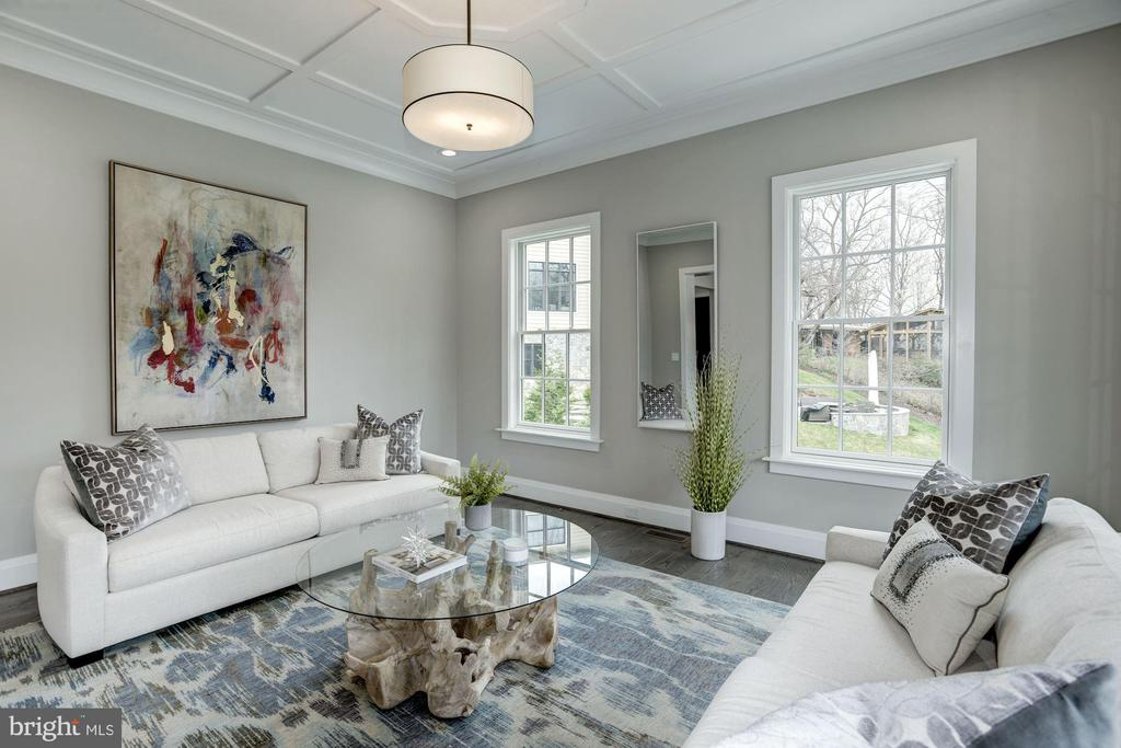 Elegant living room with detailed ceiling - 1916 RHODE ISLAND AVE, MCLEAN