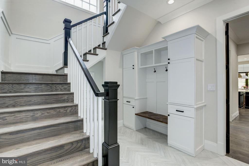 Back staircase off mudroom w/ built-ins - 1916 RHODE ISLAND AVE, MCLEAN