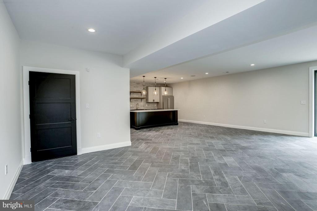 Lower level with beautiful slate tiling - 1916 RHODE ISLAND AVE, MCLEAN