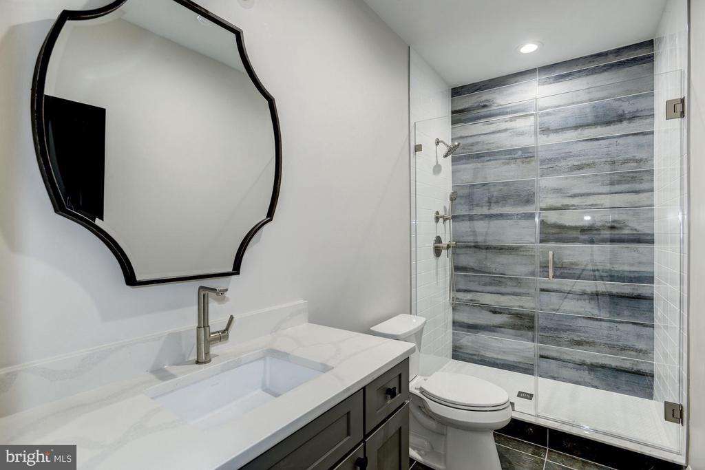 Lower level full bathroom #7 w/ designer tiling - 1916 RHODE ISLAND AVE, MCLEAN
