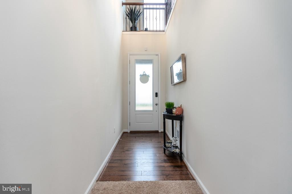 foyer/entry - 42424 DOGWOOD GLEN SQ, STERLING