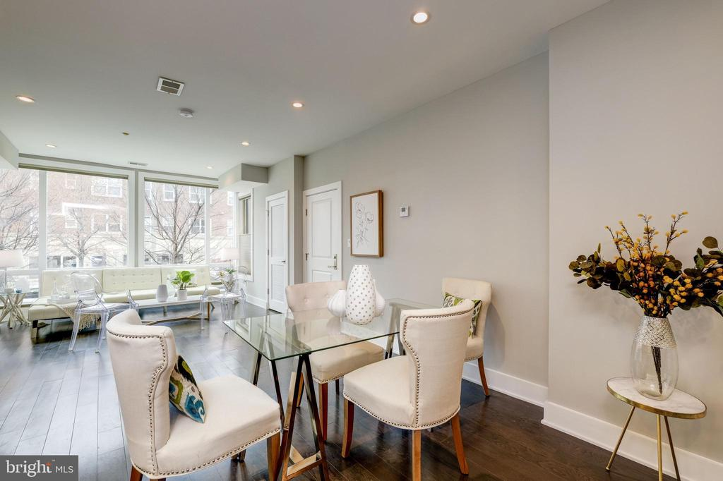 Entertain your friends in this spacious layout! - 340 ADAMS ST NE #104, WASHINGTON