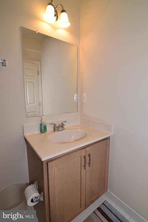 Sink to Lower Bathroom - 22988 CHERTSEY ST, ASHBURN