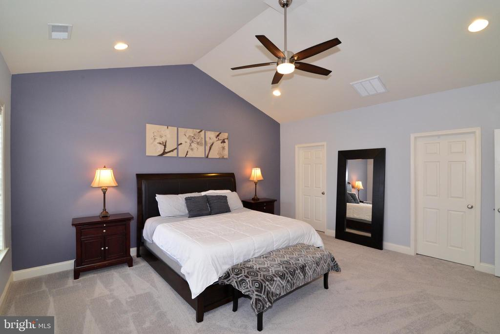 Master Bedroom with 2 walk in Closets - 22988 CHERTSEY ST, ASHBURN