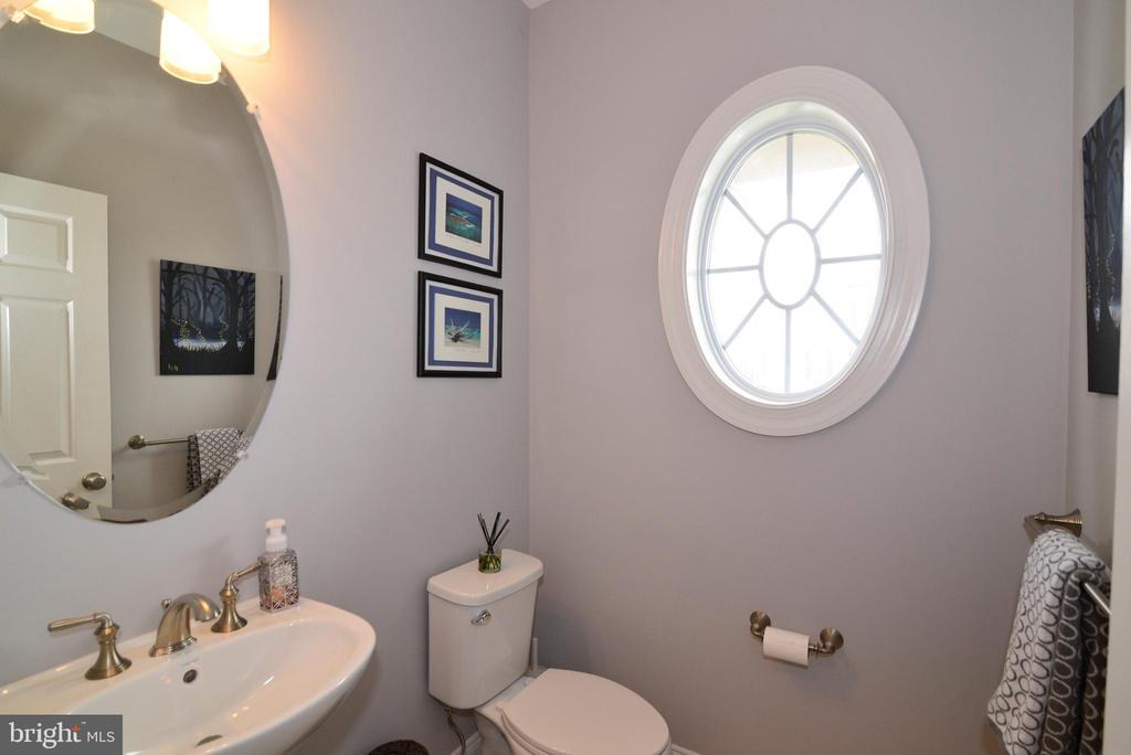 Powder Room  Main Level - 22988 CHERTSEY ST, ASHBURN