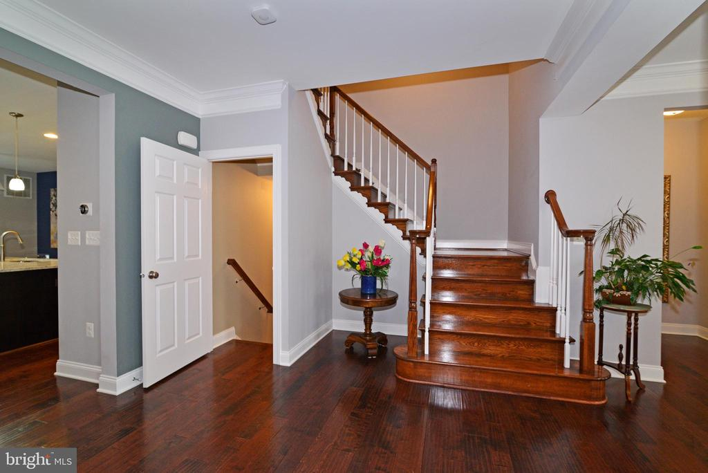 View of Stairs going up & down - 22988 CHERTSEY ST, ASHBURN