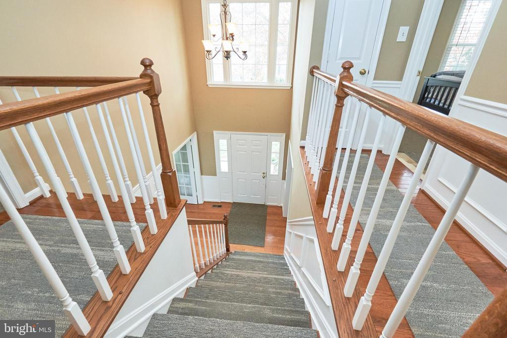 View down in the 2 Story Foyer - 13356 GLEN TAYLOR LN, HERNDON