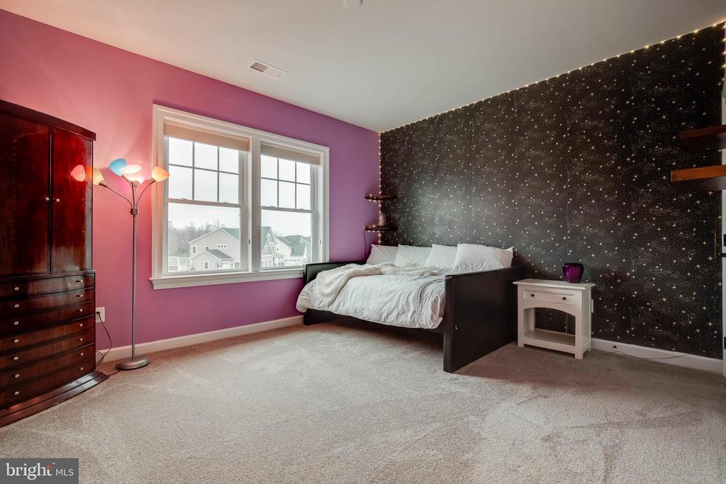 Upper Level Bedroom 3 - 23219 LUNAR HARVEST LN, ALDIE