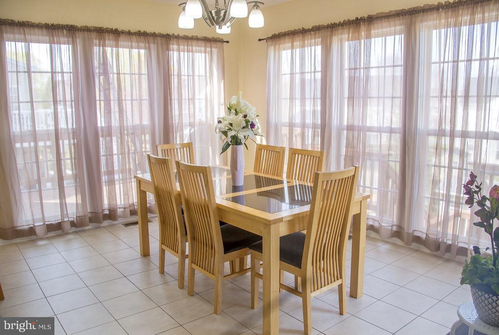 sun room or eat in kitchen - 9 JENNIFER LYNNE DR, KNOXVILLE