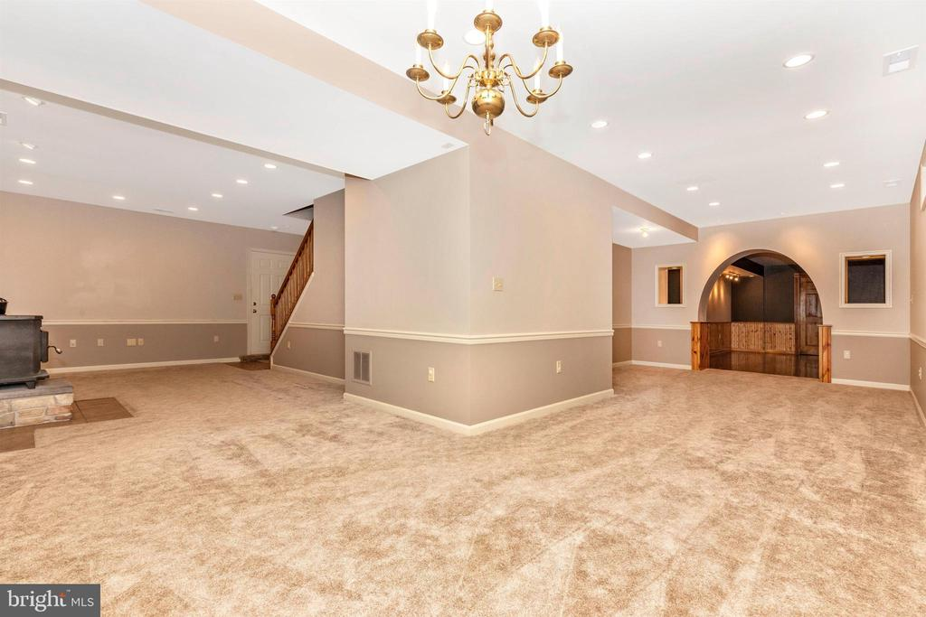 So much space - what will you do? In-law suite? - 7799 COBLENTZ RD, MIDDLETOWN