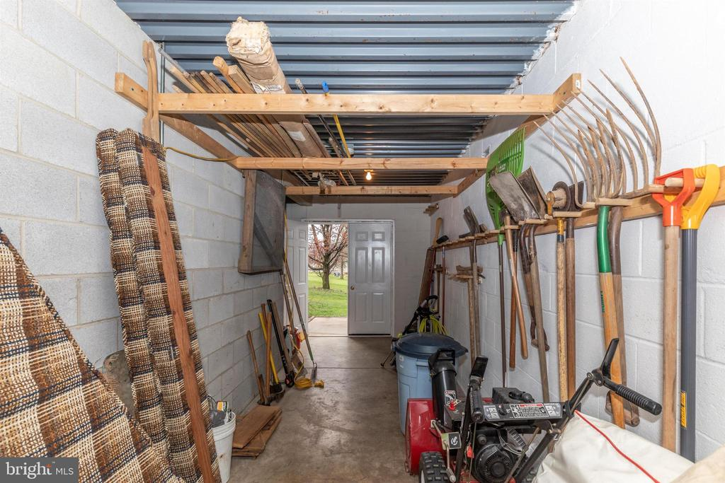 Garden shed accessible from LL or outside - wow! - 7799 COBLENTZ RD, MIDDLETOWN