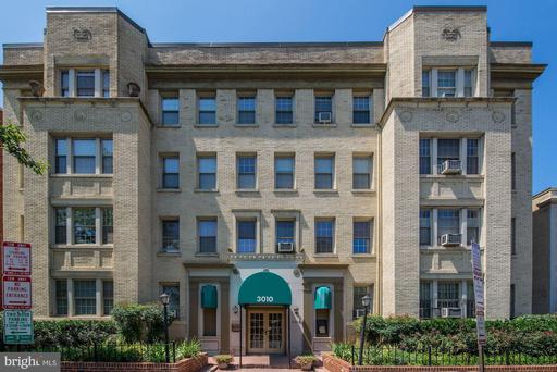 3010 WISCONSIN AVE NW #110