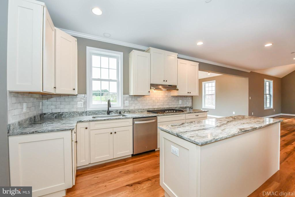 Natural gas cook top - 4802 COWMANS CT NORTH, MOUNT AIRY
