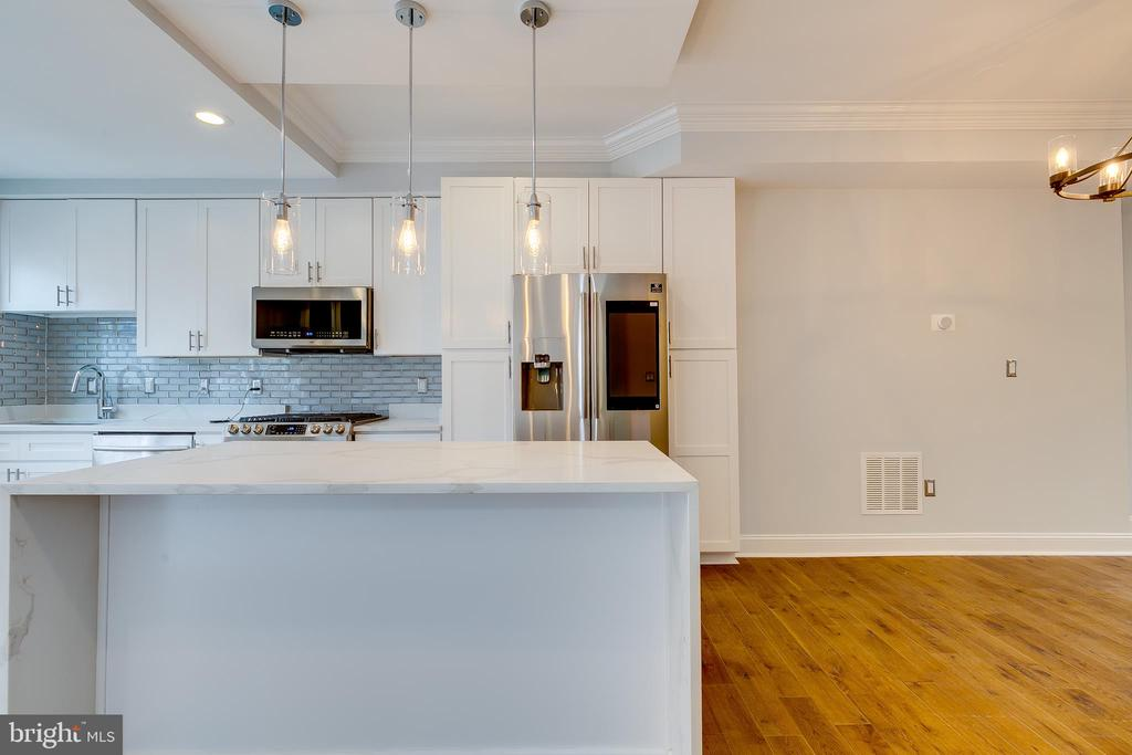 Quartz Countertops - 1215 TRINIDAD AVE NE, WASHINGTON
