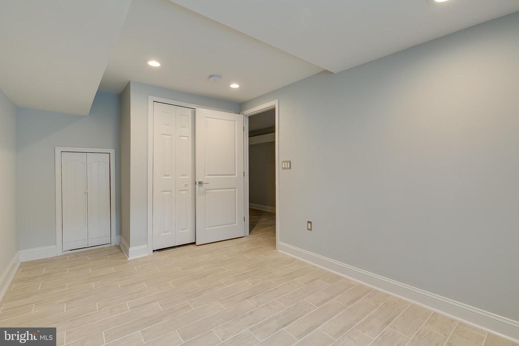 Lower Level Bedroom - 1215 TRINIDAD AVE NE, WASHINGTON