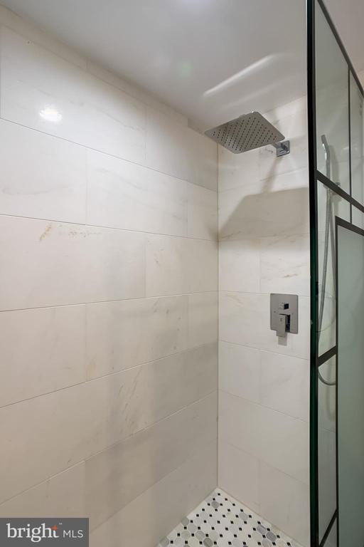 Lower Level Full Bath - 1215 TRINIDAD AVE NE, WASHINGTON