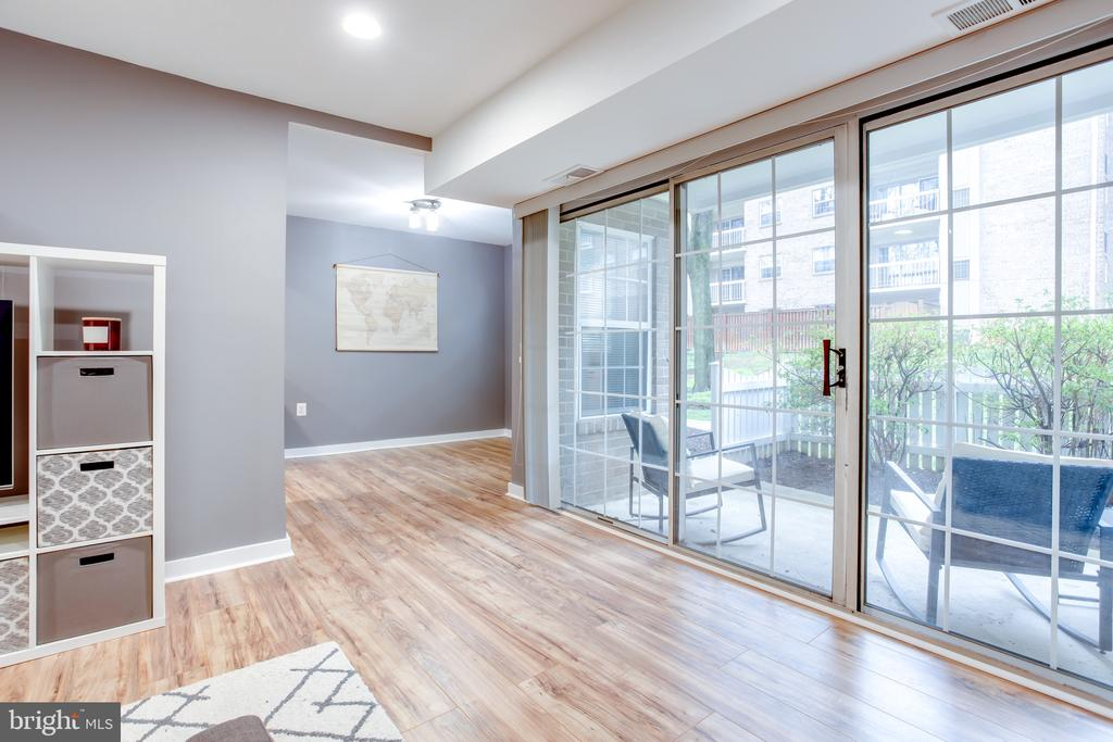 New Laminate Wood Floors Throughout - 1948 KENNEDY DR #101, MCLEAN