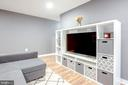 Great neutral new paint throughout, Pops Color! - 1948 KENNEDY DR #101, MCLEAN