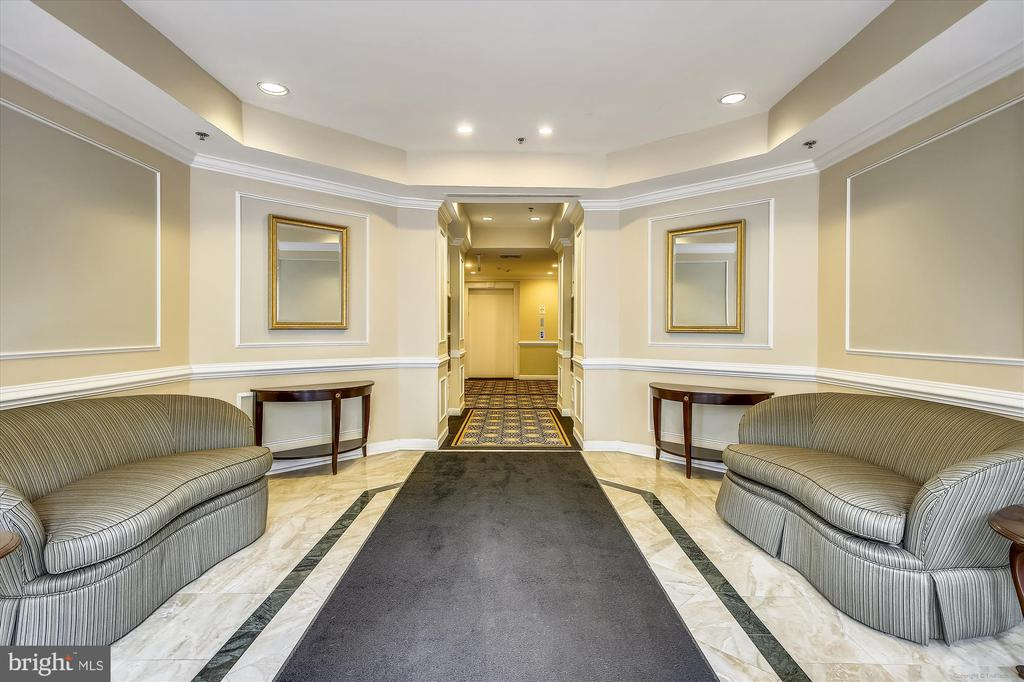 Building lobby - 1321 N ADAMS CT #308, ARLINGTON