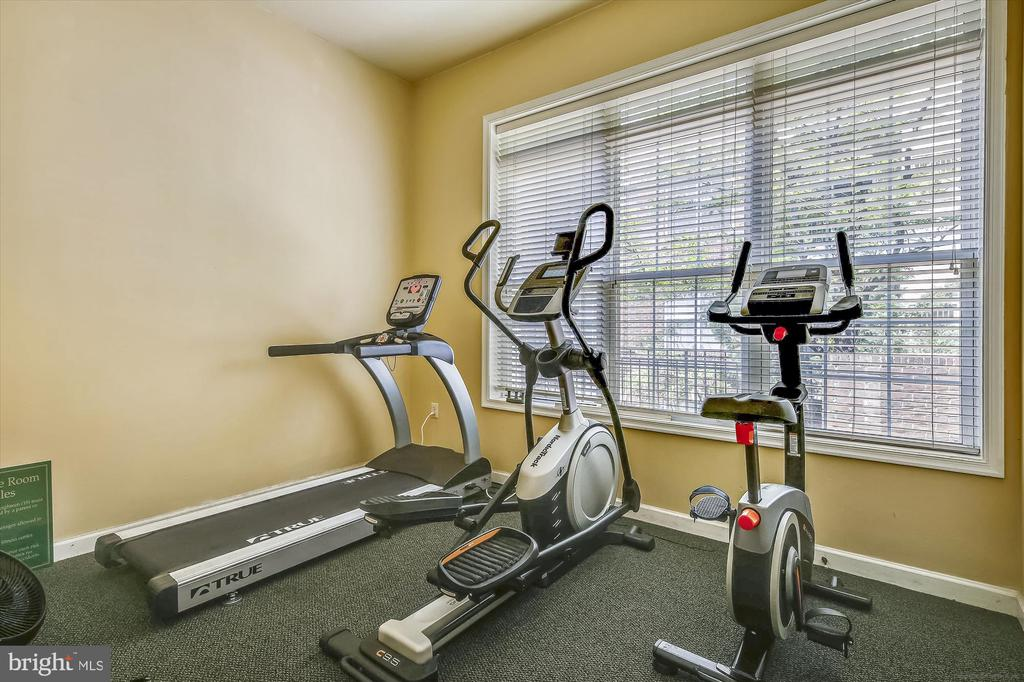 Community fitness room - 1321 N ADAMS CT #308, ARLINGTON