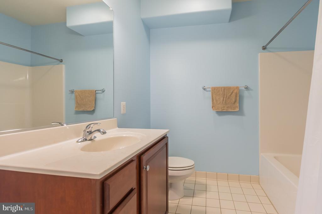 Lower level bathroom - 29 HEMPSTEAD LN, STAFFORD