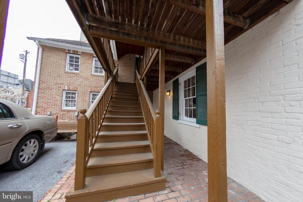 Exterior Stairwell to Upper Level - 208 S QUEEN ST, MARTINSBURG