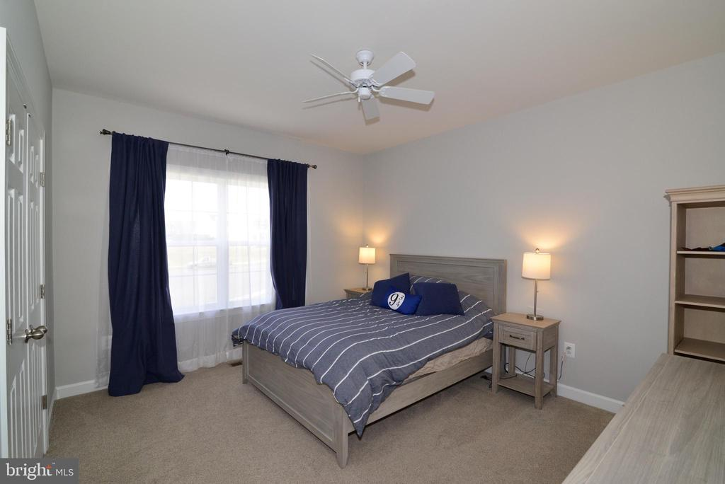 5th bedroom on upper level - 55 STONE OAK PL, ROUND HILL