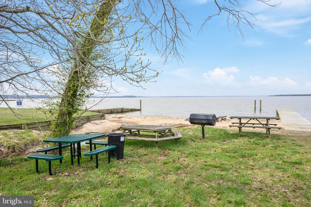 Picnic Area - 6126 MARINEVIEW RD, KING GEORGE