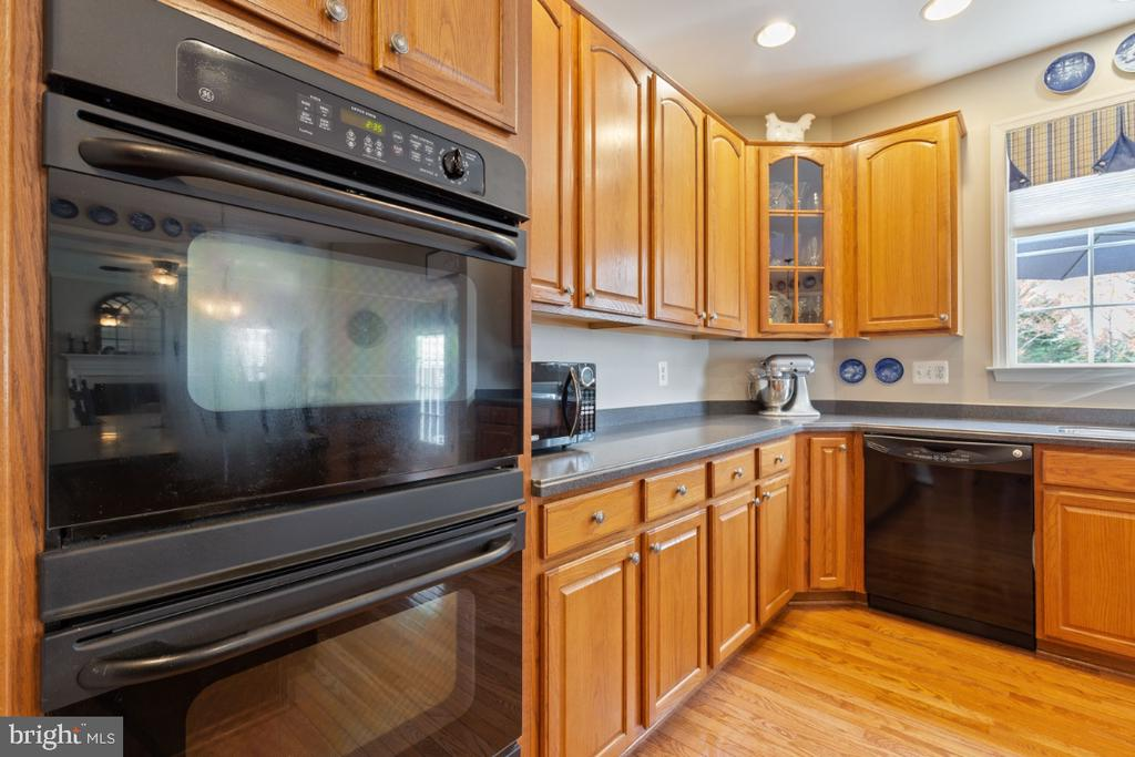 Double Wall Ovens - 215 ALPINE DR SE, LEESBURG