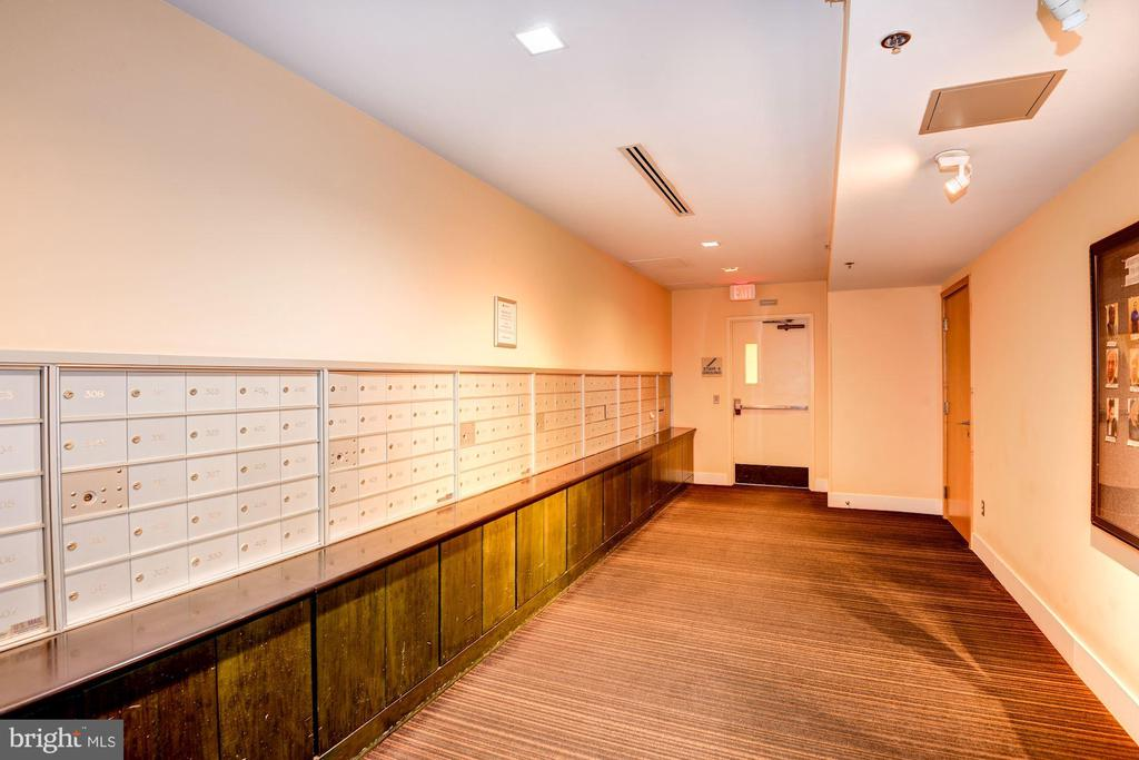 Mail Room - 910 M ST NW #525, WASHINGTON
