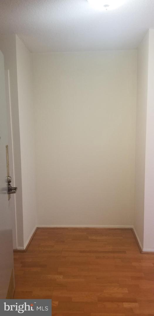 Property のために 賃貸 アット 501 SLATERS LN #504 Alexandria, バージニア 22314 アメリカ